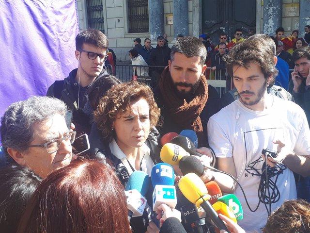 La ministra Dolors Montserrat en la manifestación de SCC