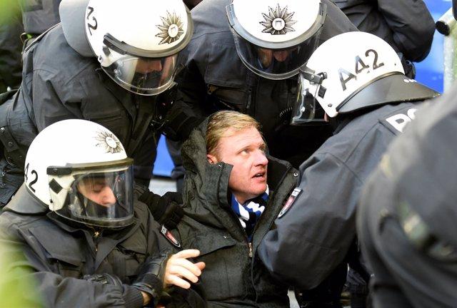 Hincha del Hamburgo detenido por la Policía