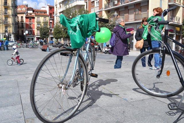 Valladolid (18-03-2018).- Bicicletada por la Escuela Pública