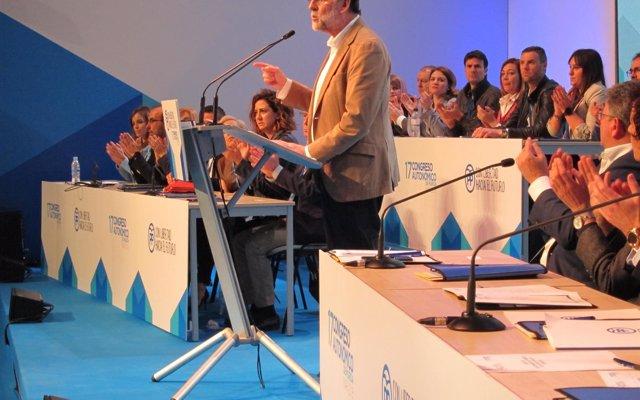 Rajoy ve al populismo como 'enemigo de la libertad' y dice que España 'no necesita ocurrencias sino valores'