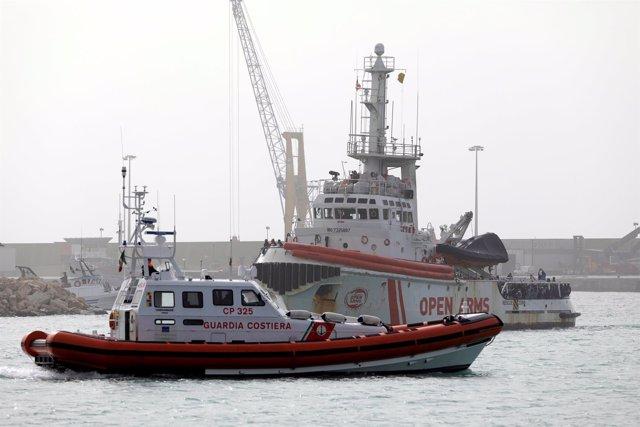 Las autoridades de Italia retienen el barco de la ONG Proactiva Open Arms