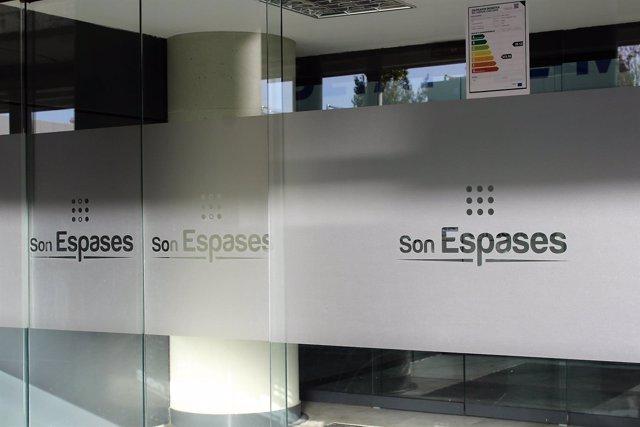 Una niña de 3 años es trasladada a la UCI de Son Espases tras sufrir un accidente de tráfico en Ibiza