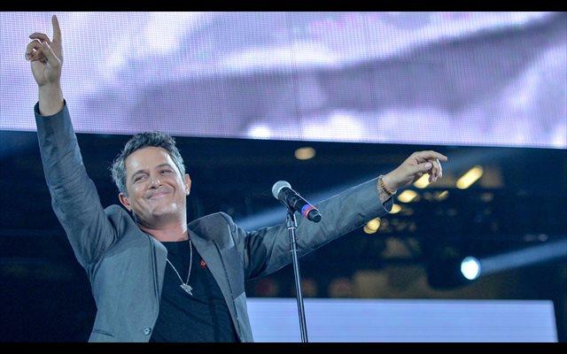 De Alejandro Sanz a U2 y Pearl Jam: 10 canciones para el Día del Padre