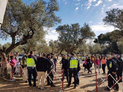 Un centenar de efectivos retoma la búsqueda para hallar al hombre desaparecido en enero en Torremolinos