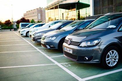 Los vehículos de alquiler consumen y emiten menos CO2 que el conjunto del parque automovilístico español
