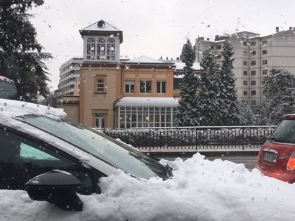 Oviedo activa el plan de nevadas hasta las 18.00 horas de este martes