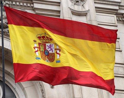 El Defensor del Pueblo recibió en 2017 numerosas quejas por no izar la bandera de España algunos ayuntamientos catalanes