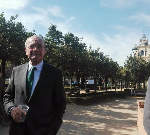 El alcalde de Málaga, Francisco de la Torre, anuncia que optará a reelección