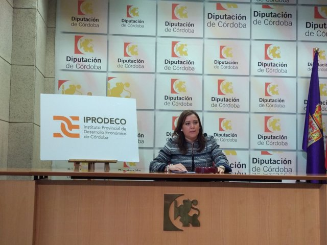 Carrillo presenta la convocatoria de Emprende