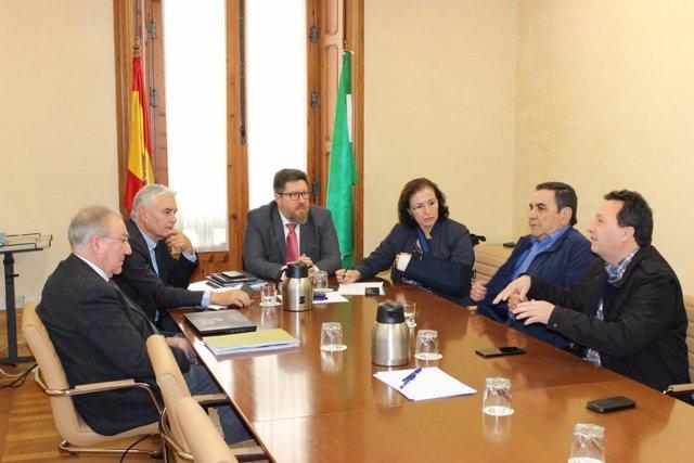 El consejero de Agricultura de la Junta de Andalucía se reúne en Almería
