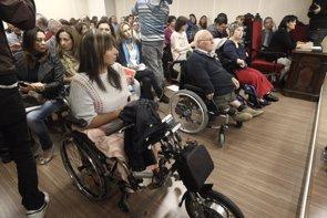 Los afectados por la talidomida temen quedarse sin pensiones vitalicias (EUROPA PRESS - Archivo)
