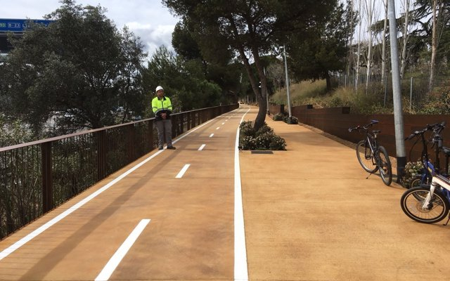 Inaugurado el primer carril bici que conecta Barcelona y Esplugues de Llobregat
