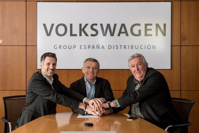 Firma del convenio colectivo de Volkswagen Group España Distribución