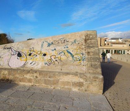 ARCA pide al Ayuntamiento un compromiso unánime por la erradicación de las pintadas en Palma