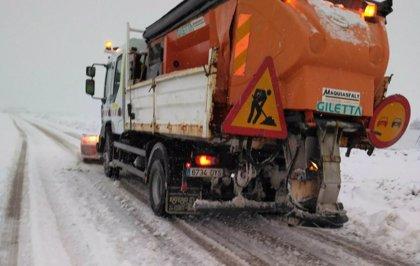 Preparadas 655 quitanieves 126.000 toneladas de fundentes para las nevadas en Cantabria, Asturias, CyL y Cataluña