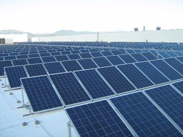 Placas fotovoltaicas en la fábrica de Seat en Martorell