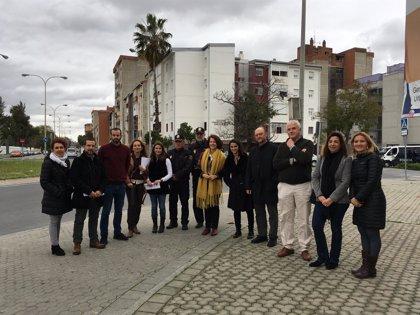 Diputados del PP, el PSOE, Ciudadanos y Unidos Podemos visitan el Polígono Sur