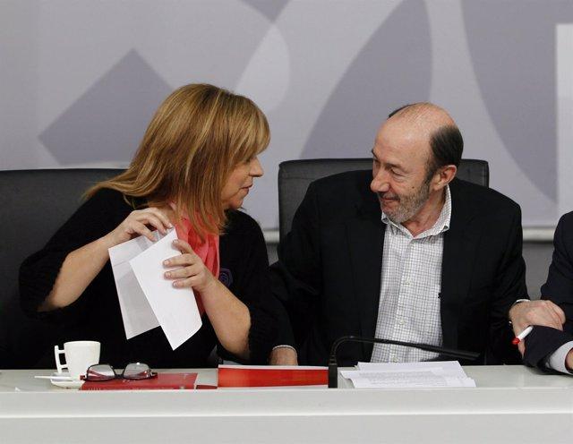 Los socialistas Elena Valenciano y Alfredo Pérez Rubalcaba