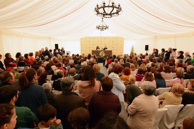 La Feria del Libro de Tomares se consolida como referente