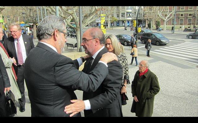 La comunidad universitaria y la sociedad aragonesa despiden a Manuel López