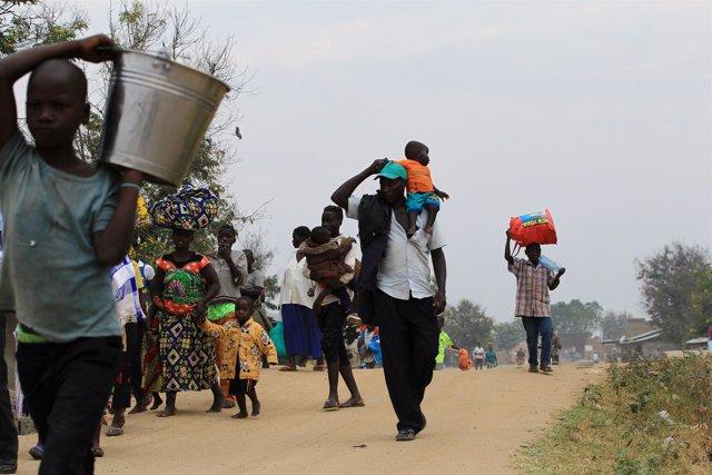 Refugiados congoleños llegan a Uganda