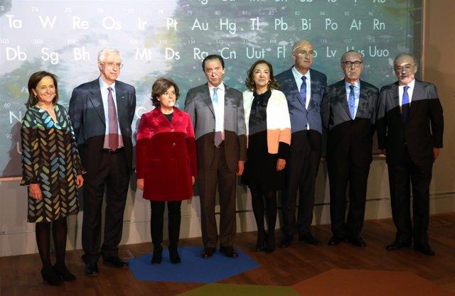 Autoridades en la inauguración de 'Cosmos'