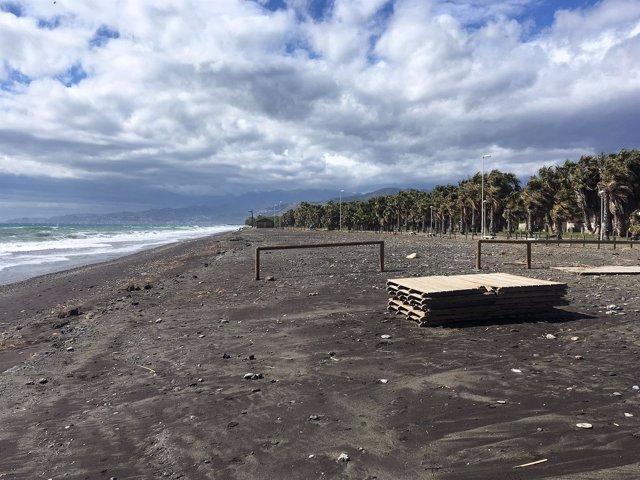 Playa Granada, tras el temporal
