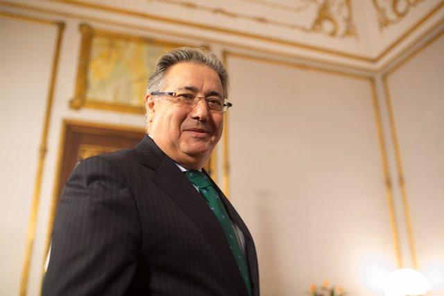 El ministro del Interior, Juan Ignacio Zoido, tras la reunión con Susana Díaz