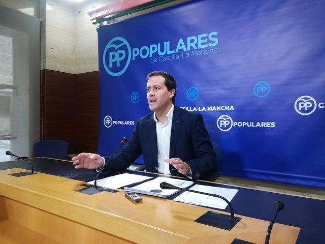 Velázquez en rueda de prensa