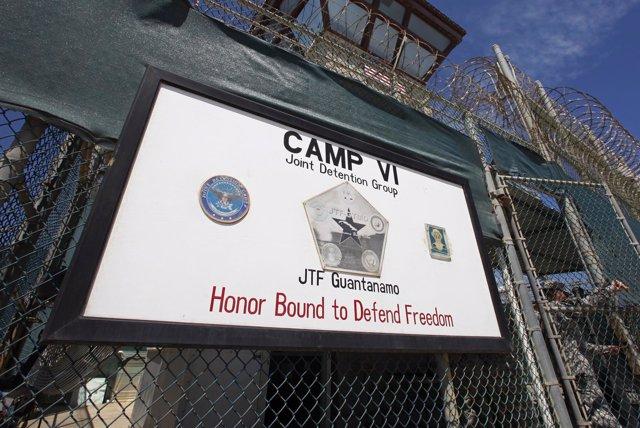 Entrada al centro de detención de Guantánamo