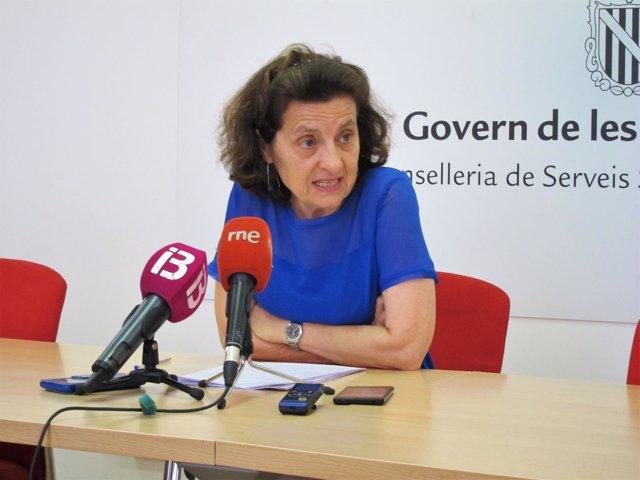 La consellera de Servicios Sociales y Cooperación, Fina Santiago