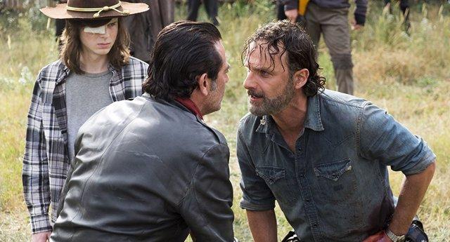 Chandler Riggs, Jeffrey Dean Morgan y Andrew Lincoln en The Walking Dead