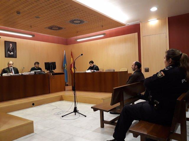 Javier Ledo, acusado de la muerte de Paz Fernandez Borrego en Navia
