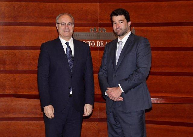 Durán y el cónsul de Portugal en el Parlamento andaluz
