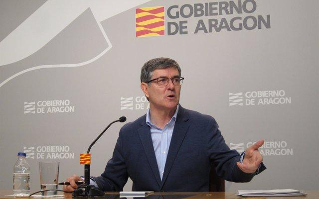 Guillén recuerda a Montoro la obligación del Gobierno central de pactar con Aragón las inversiones en los PGE