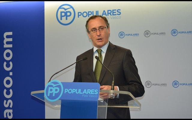 Alonso (PP) anima a seguir investigando para que los que organizan homenajes a miembros de ETA 'paguen por ello'