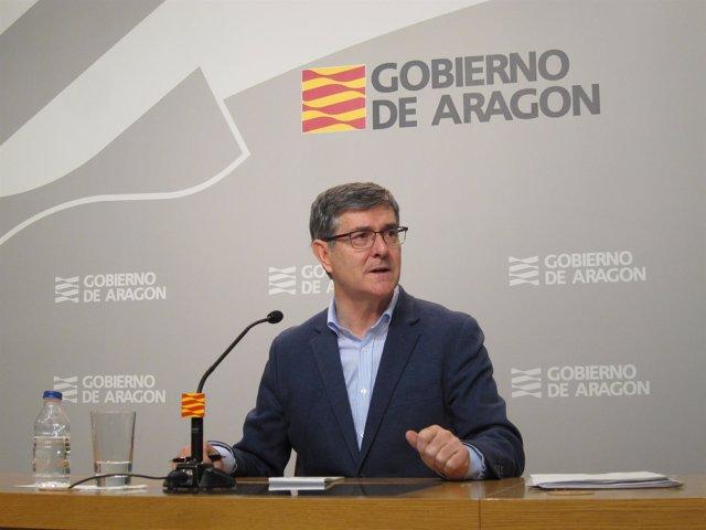 Vicente Guillén, en rueda de prensa este martes en el edificio Pignatelli