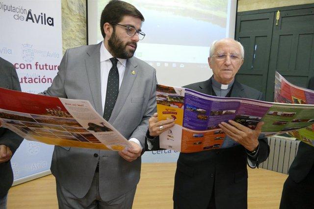 El Presidente De La Diputación (I) Y El Obispo De Ávila Con La Guía 20-3-2018