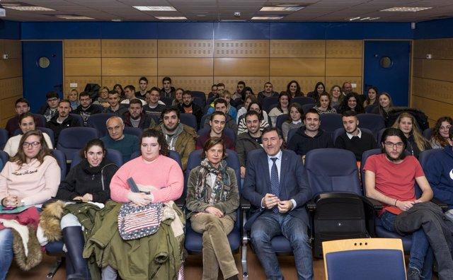 Mañanes recibe a los alumnos que participan en Erasmus+