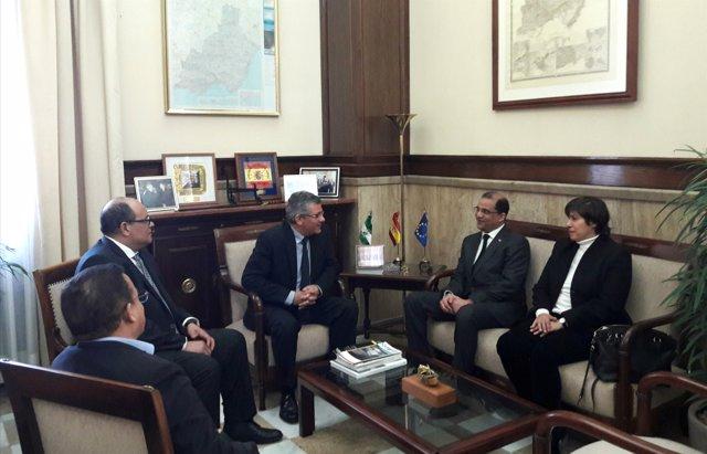 Np Y Fotos El Embajador De La República Dominicana Visita Almería Y Se Reúne Con