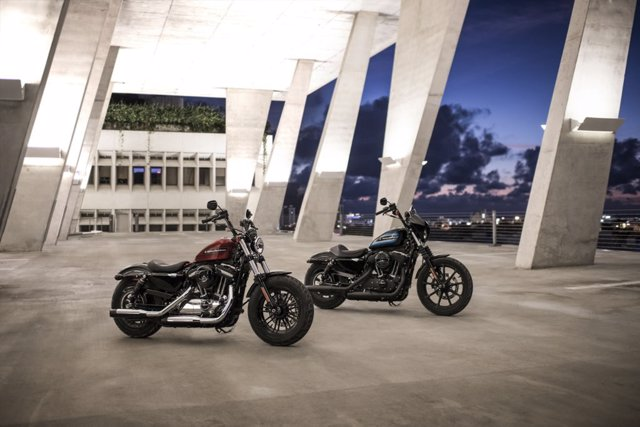 Harley-Davidson Sportster Forty-Eight Special y Iron 1200