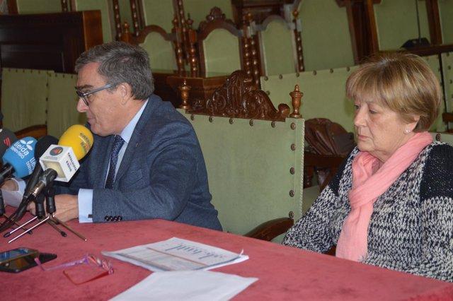 El alcalde de Lleia, Ángel Ros y la concejala de Seguridad, Sara Mestres