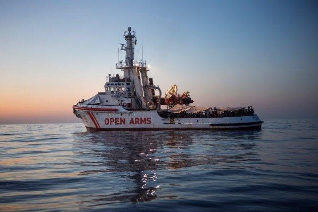 Barco insignia de Proactiva Open Arms, de salvamento de refugiados