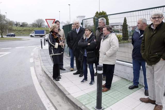Mazón inaugura mejoras de seguridad vial en Requejada
