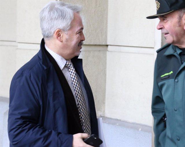 Jacinto Cañete, a su llegada a la Audiencia Provincial por el juicio de los ERE
