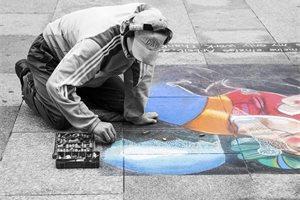 Trabajadores mexicanos son grabados pintando las calles de Jalisco de una manera muy original