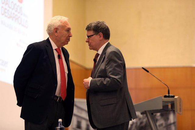 Los exministros García-Margallo y Jordi Sevilla