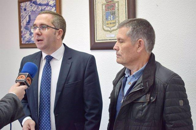 El alcalde de Los Palacios, Juan Manuel Valle (IU)