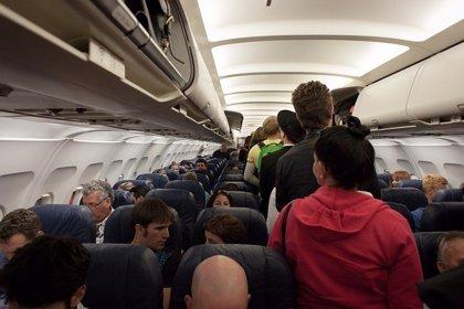 ¿Qué probabilidad tienes de contagiarte de gripe durante un vuelo?