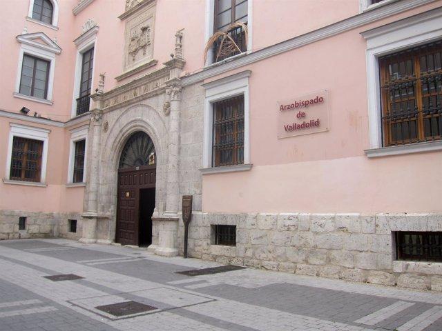 Fachada del Arzobispado de Valladolid.